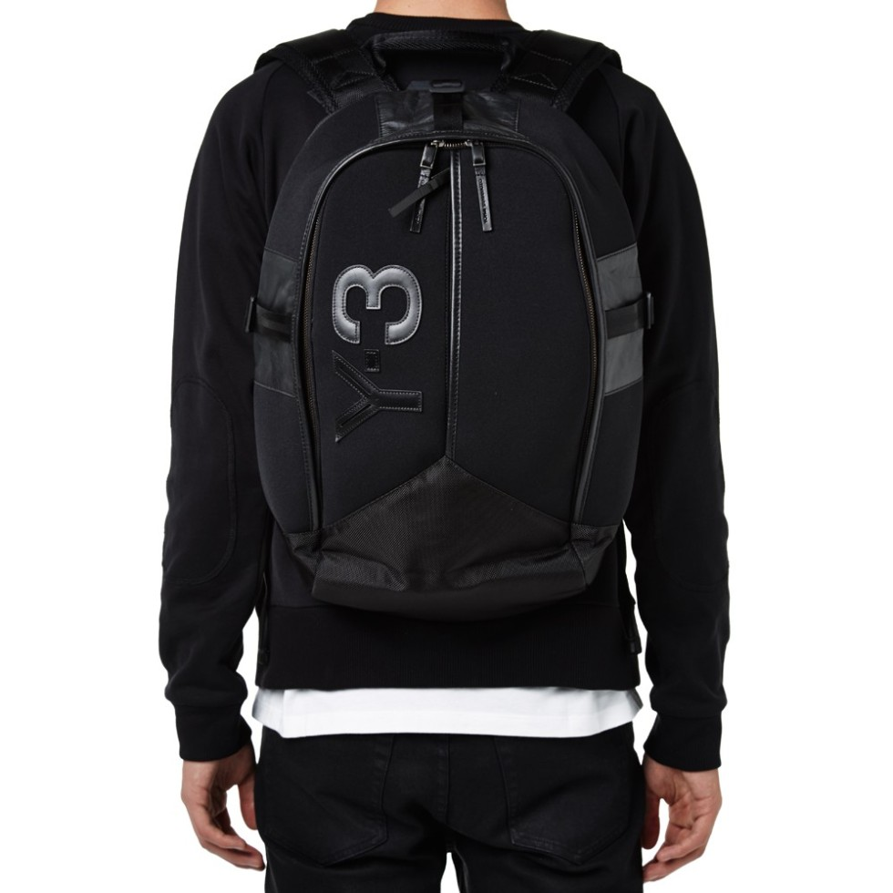25-06-2014_y-3_neoprenebackpack_black_m1