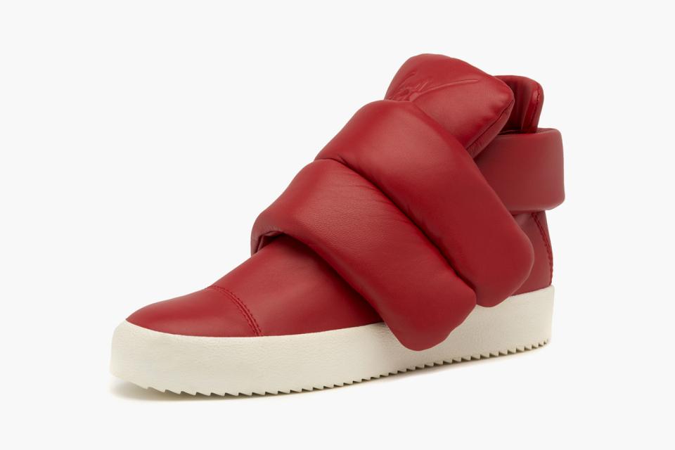 giuseppe-zanotti-designs-a-futuristic-sneaker-inspired-by-kid-cudi-01-960x640