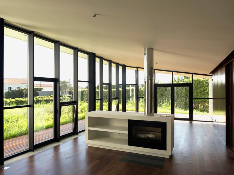 m-arquitectos-rosto-do-cao-house-portugal-designboom-07