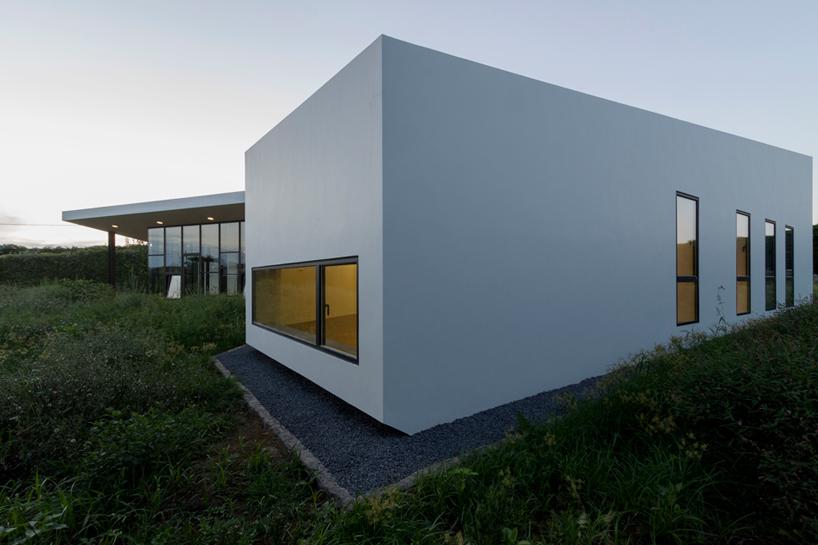 m-arquitectos-rosto-do-cao-house-portugal-designboom-09