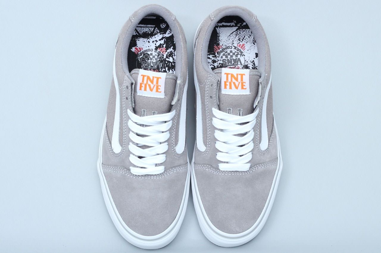 9f546f8b639137 Vans TNT 5 Independent Silver. Vans and Independent Truck Company s  collaborative pro shoe features an improved cushioning and fit