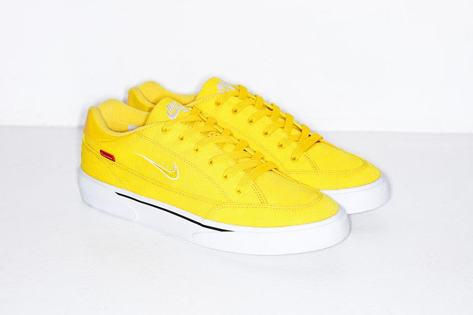 supreme-tease-forthcoming-nike-sb-sneakers-4