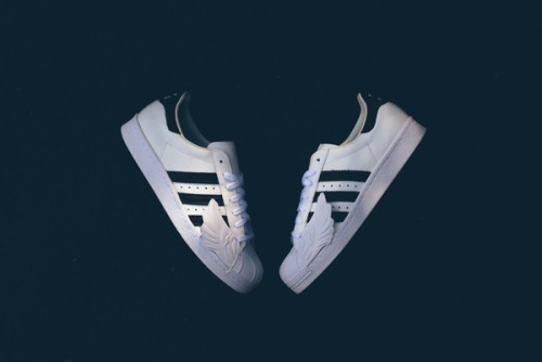 Adidas_JS_Superstar_Wings_S77814_WhiteB-BLKWHI_Sneaker_Politics-5621_grande