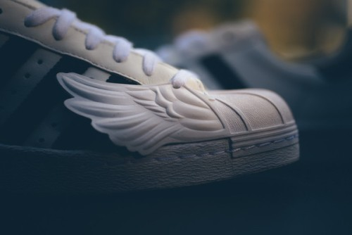 Adidas_JS_Superstar_Wings_S77814_WhiteB-BLKWHI_Sneaker_Politics-5659_grande