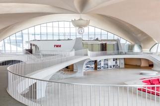 twa-hotel-jfk-terminal-flight-center-eero-saarinen-designboom-03