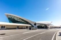twa-hotel-jfk-terminal-flight-center-eero-saarinen-designboom-08